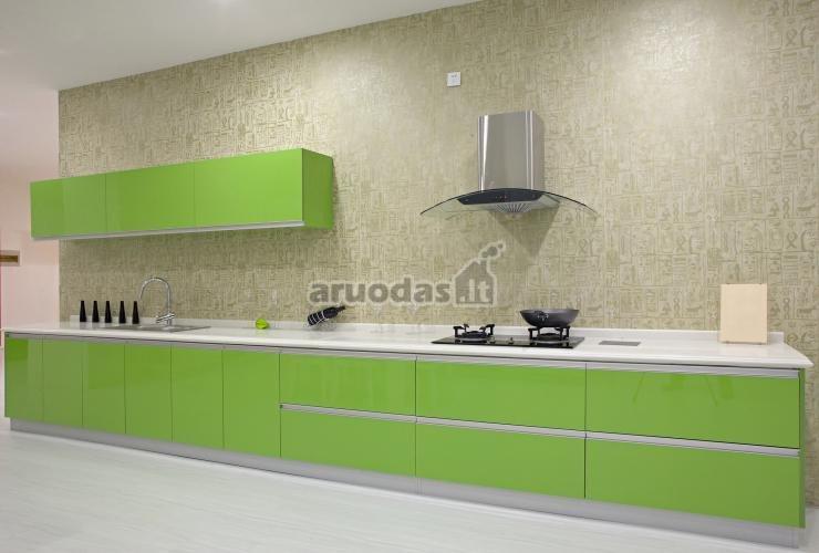 žalios spintelės virtuvės interjere