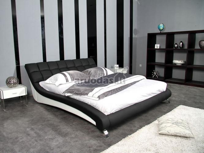 Nespalvoto, modernaus miegamojo interjeras