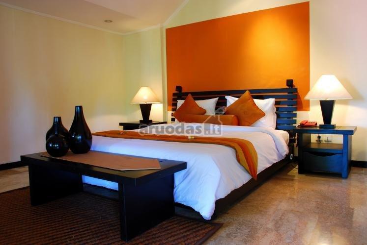 Oranžinis miegamojo akventas