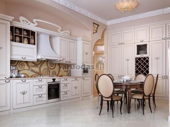 šviesi virtuvė