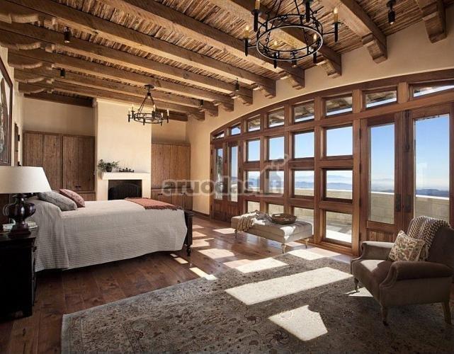 Originalaus dizaino, medinės lubos