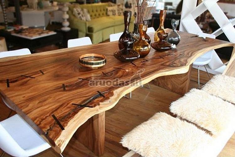 Originalus medinis stalas