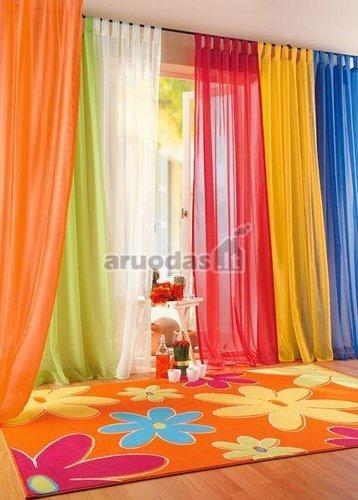 Ryškios spalvotos žaismingos užiolaidos
