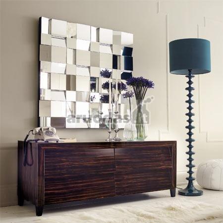 Veidrodis mozaika iš mažesnių veidrodžių keturkampių