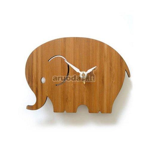 Medinis, dramblio formos laikrodis