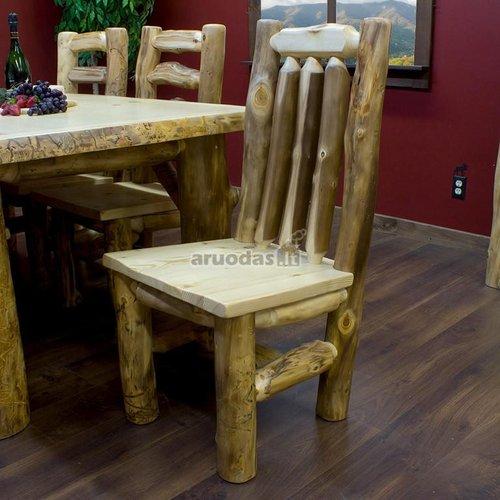 Kėdė iš neišdirbto medžio