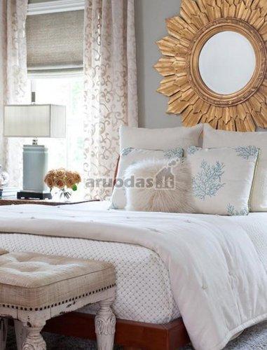 šviesus vintažinios stiliaus miegamasis