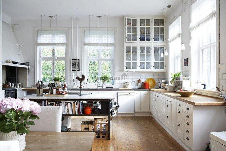 Skandinaviško stiliaus virtuvė
