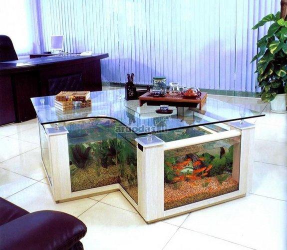 Stalo pagrindas - akvariumas