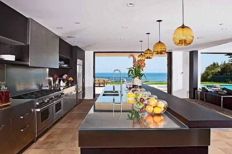Namai ant jūros kranto, vidaus dekoras