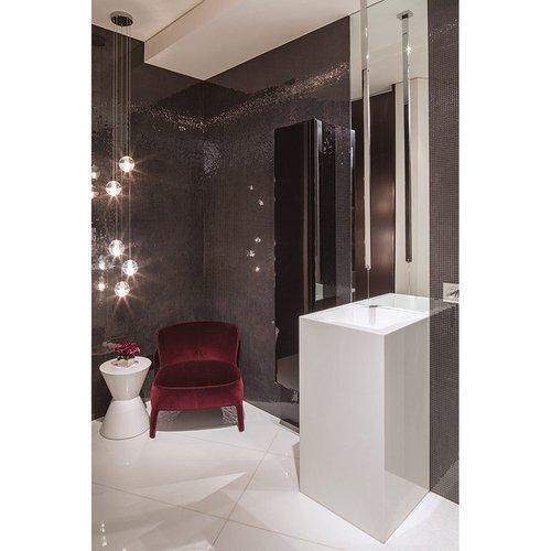 Poilsio zona šalia vonios kambario