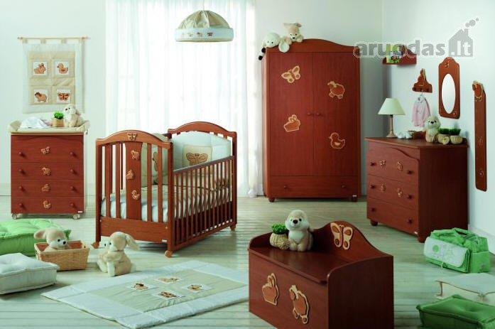 Zuikučiais dekoruotas kūdikio kambarys