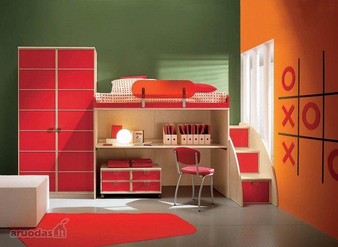 Raudonos ir orandžinės derinys