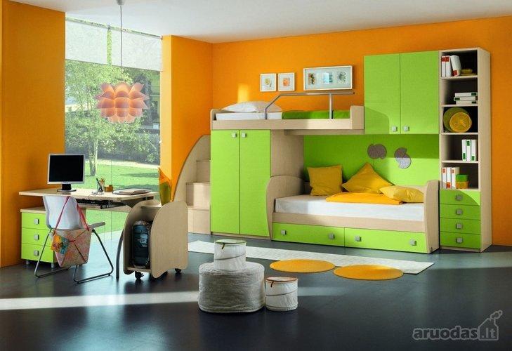 žalia - orandžinė vaikų kambaryje