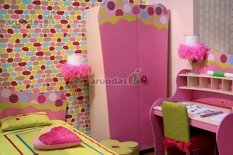 Rožinė mergaitės erdvė
