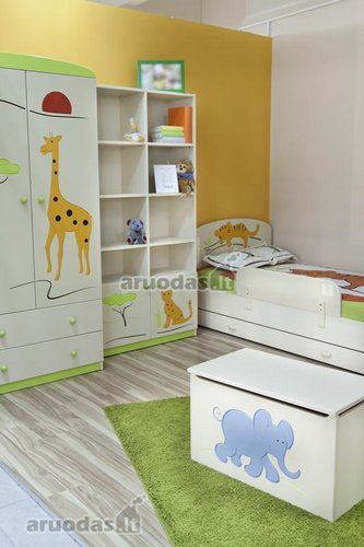žaismingi gyvūnų atvaizdai vaiko kambaryje