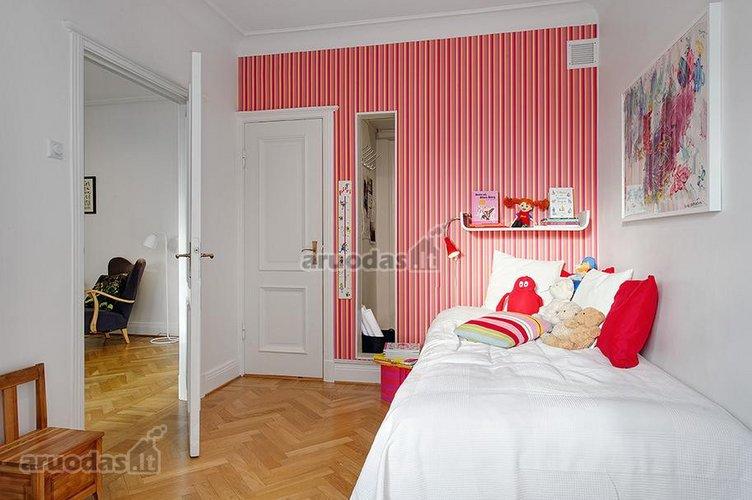 šviesus vaiko kambarys
