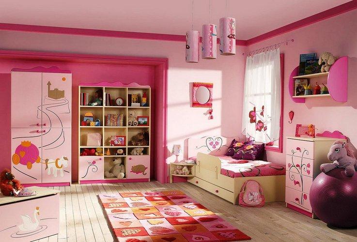 Mažosios princesės rožinis kambarys