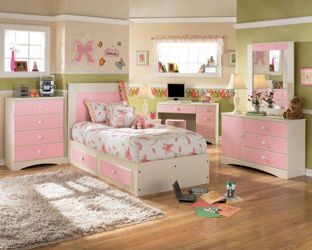 šiuolaikiškos mergaitės kambarys