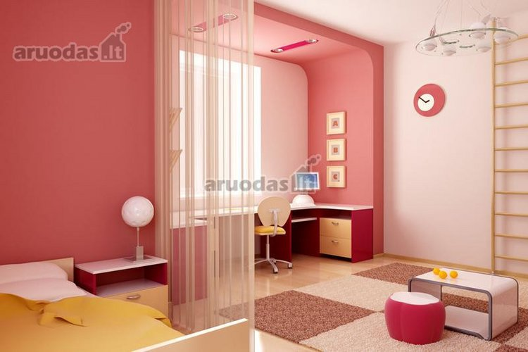 Rožinė vaikų kambaryje