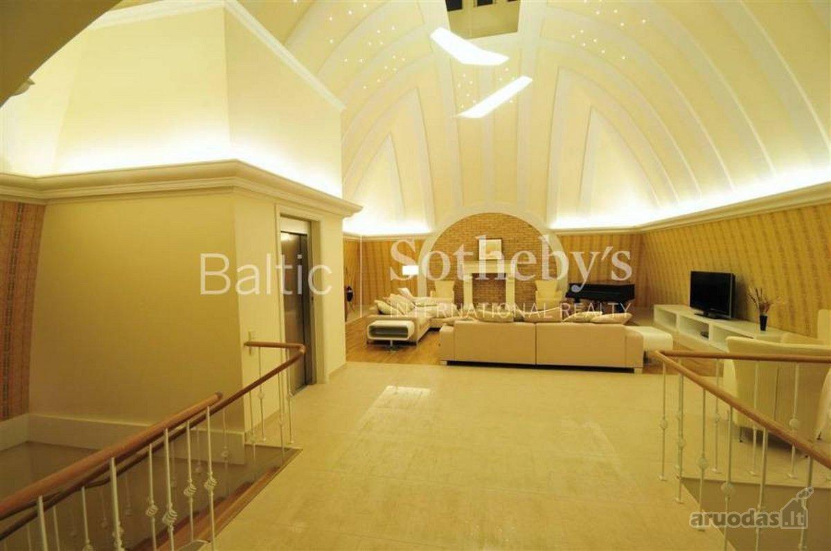 Vilnius, Senamiestis, Gedimino pr., 7 kambarių buto nuoma