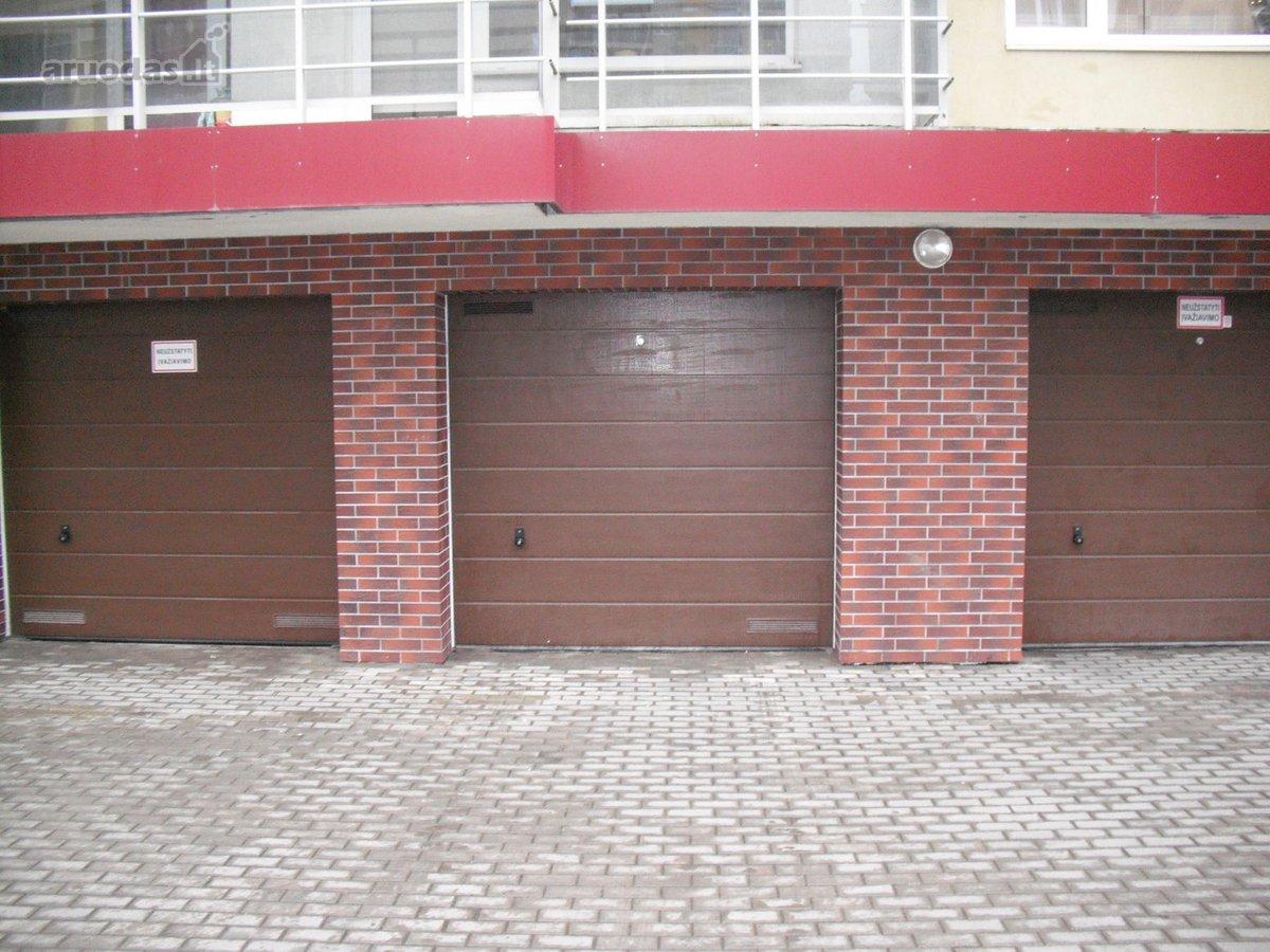 Vilnius, Pašilaičiai, Perkūnkiemio g., mūrinis garažas
