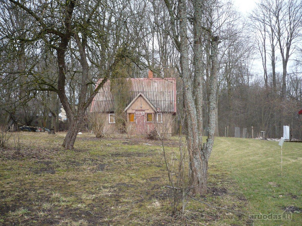 Parduodamas 5,8 aru namu valdos zemes sklypas