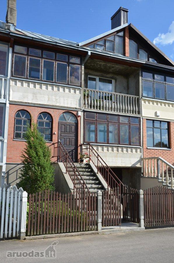 Kaunas, Petrašiūnai, Guobų g., blokinis namas