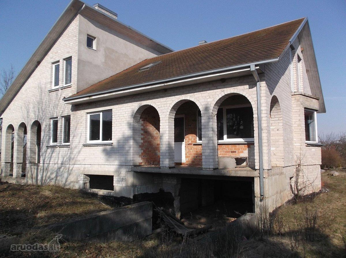 Ukmergės r. sav., Jonuškų k., mūrinis namas