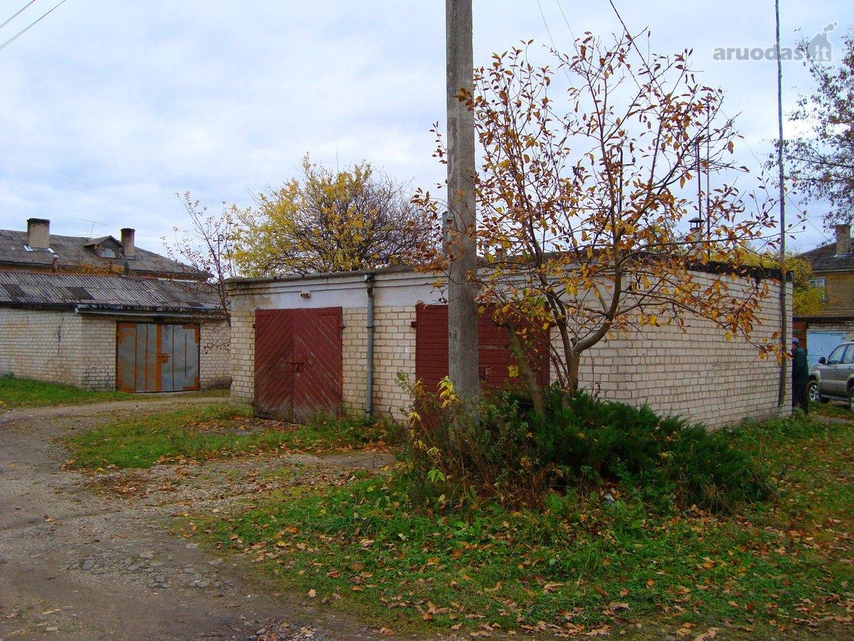 Akmenės r. sav., Naujosios Akmenės m., J. Janonio g., mūrinis garažas