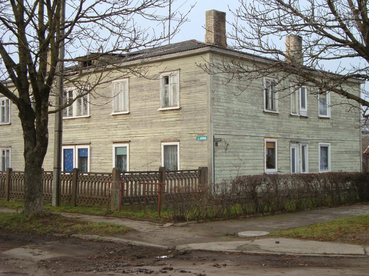 Akmenės r. sav., Naujosios Akmenės m., P. Jodelės g., 2 kambarių butas
