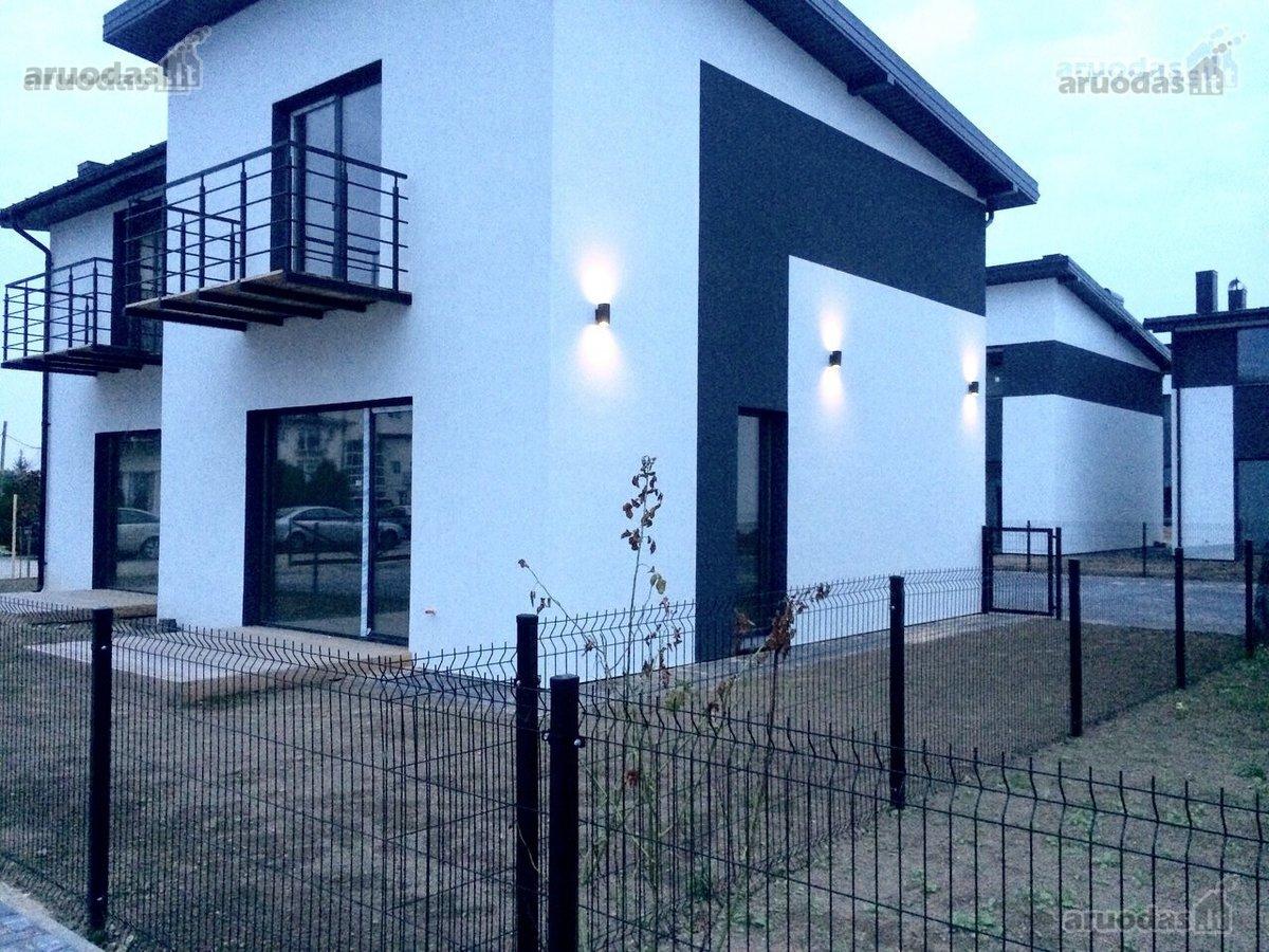 Kaunas, Šilainiai, Pienių g., mūrinis sublokuotas namas