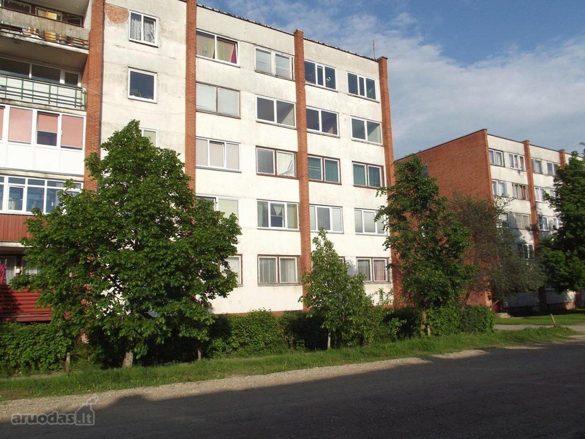 Radviliškio r. sav., Radviliškio m., Stiklo g., 5 kambarių butas