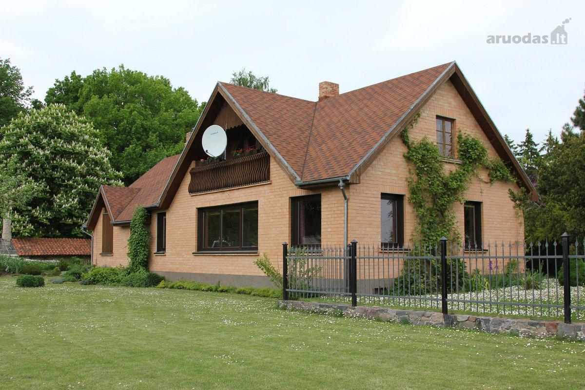 Joniškio r. sav., Skaistgirio mstl., mūrinė sodyba