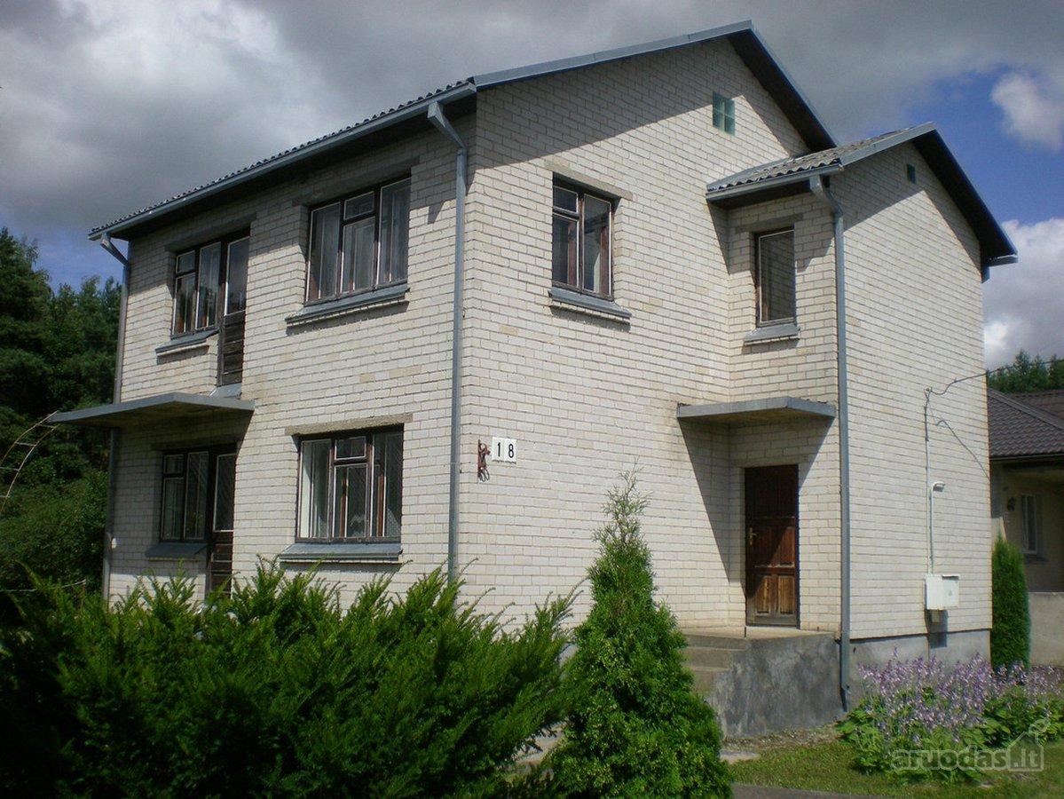 Ukmergės m., Geologų g., mūrinis namas