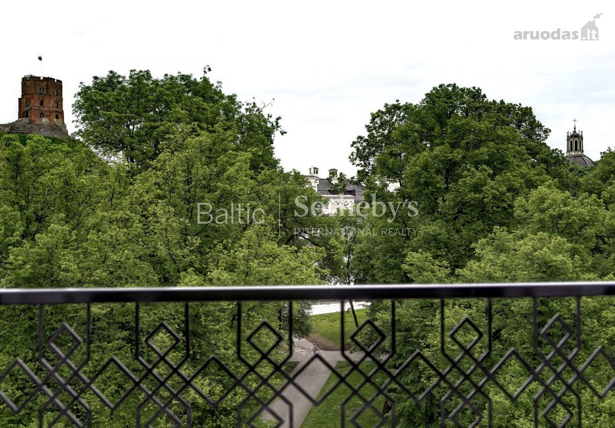 Vilnius, Senamiestis, T. Vrublevskio g., 6 kambarių butas