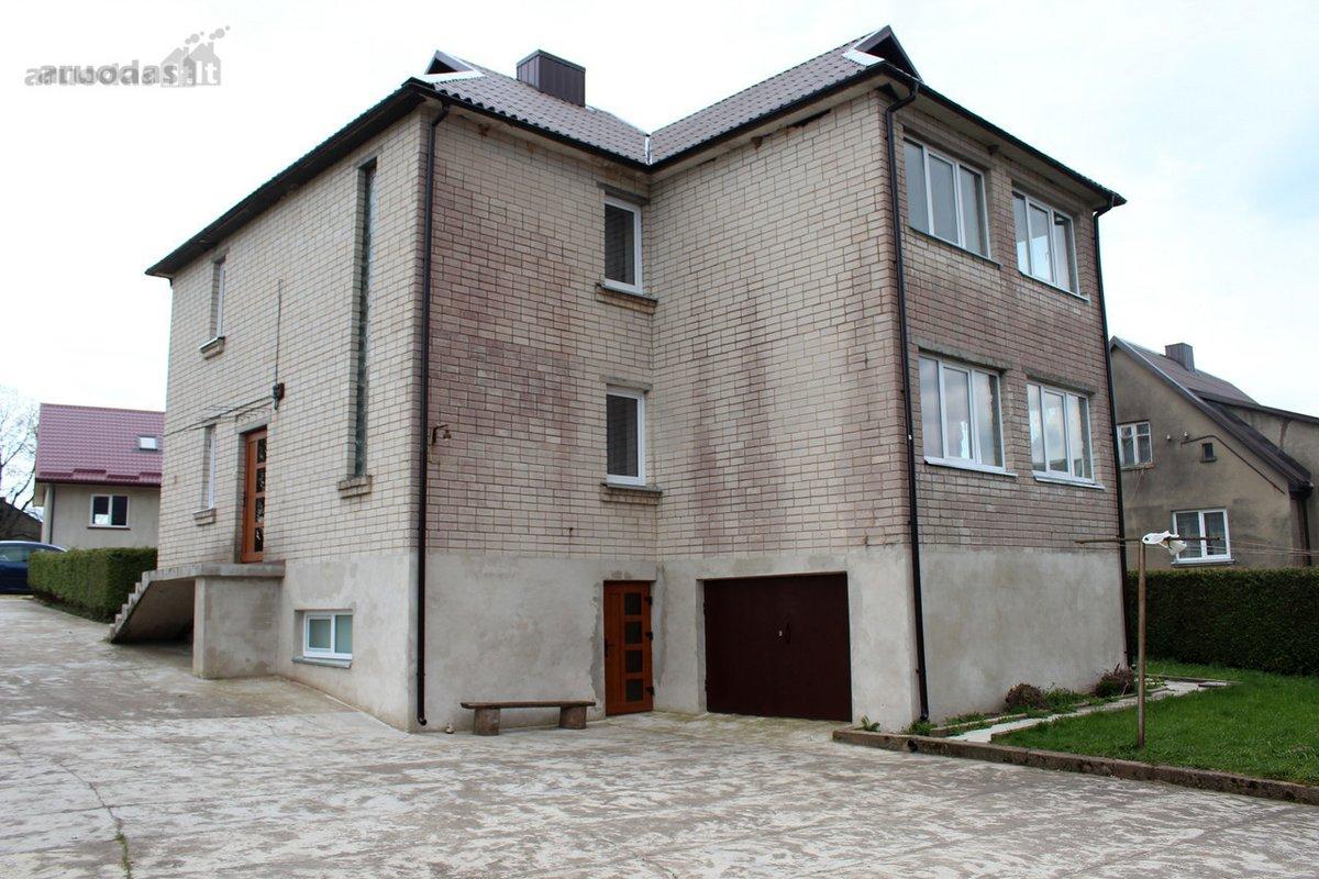 Telšių r. sav., Džiuginėnų k., Ilgio g., mūrinis namas
