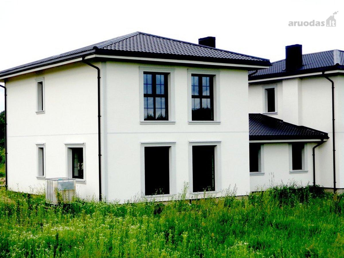 Vilnius, Pavilnys, Bagušių g., mūrinis sublokuotas namas