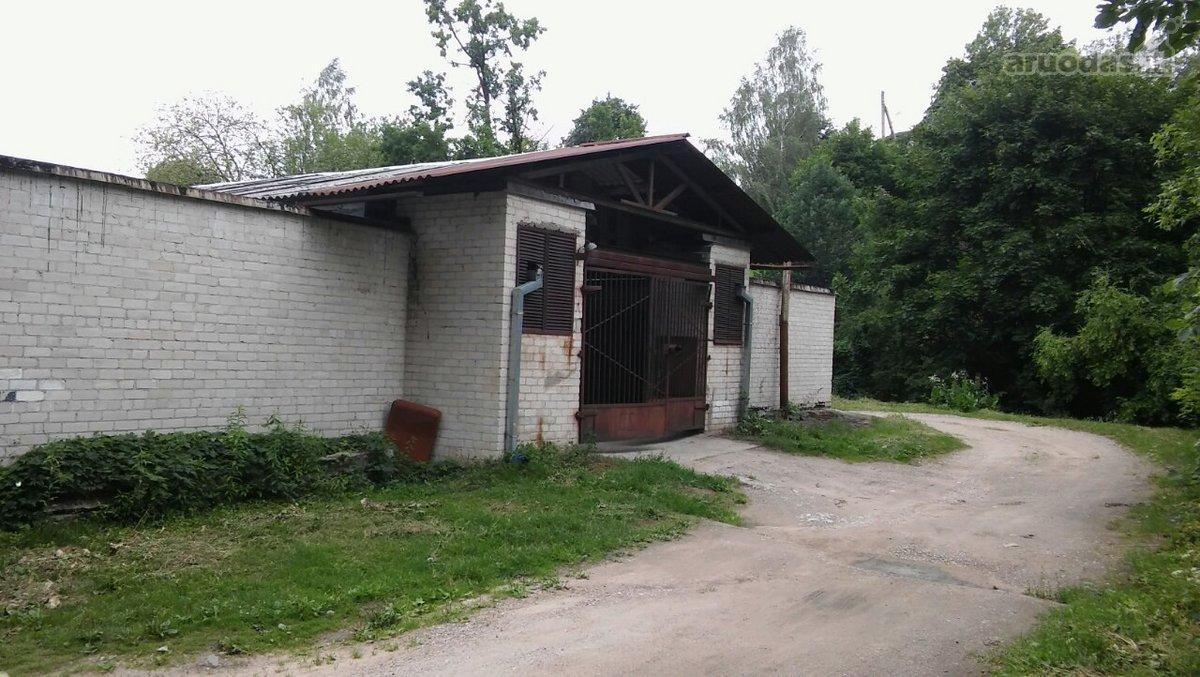 Vilnius, Markučiai, Veiverių g., mūrinis garažas