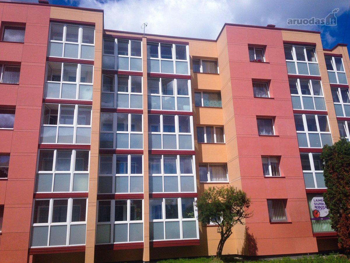 Akmenės r. sav., Naujosios Akmenės m., Respublikos g., 3 kambarių butas