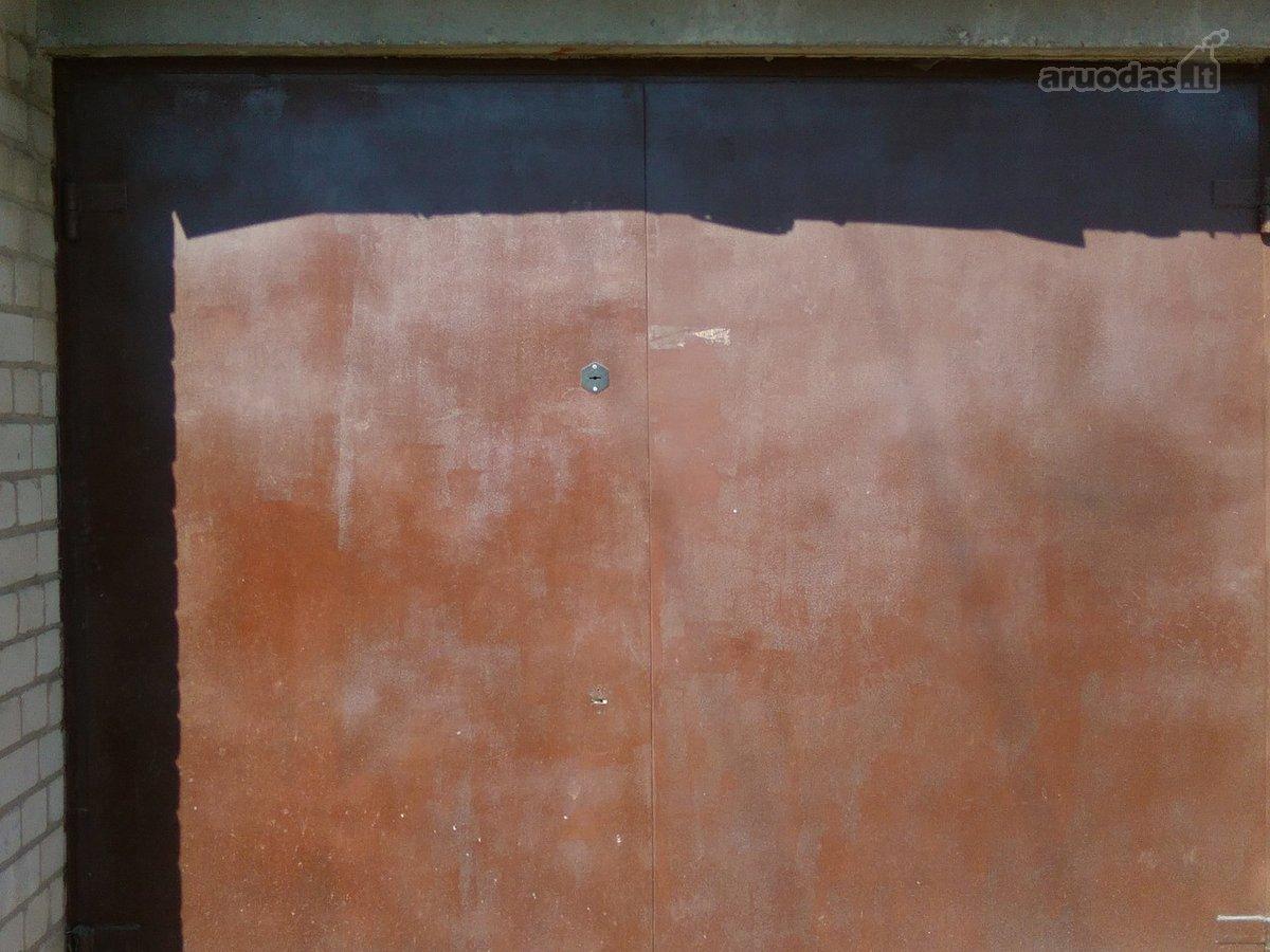 Palanga, Bangų g., mūrinis garažas