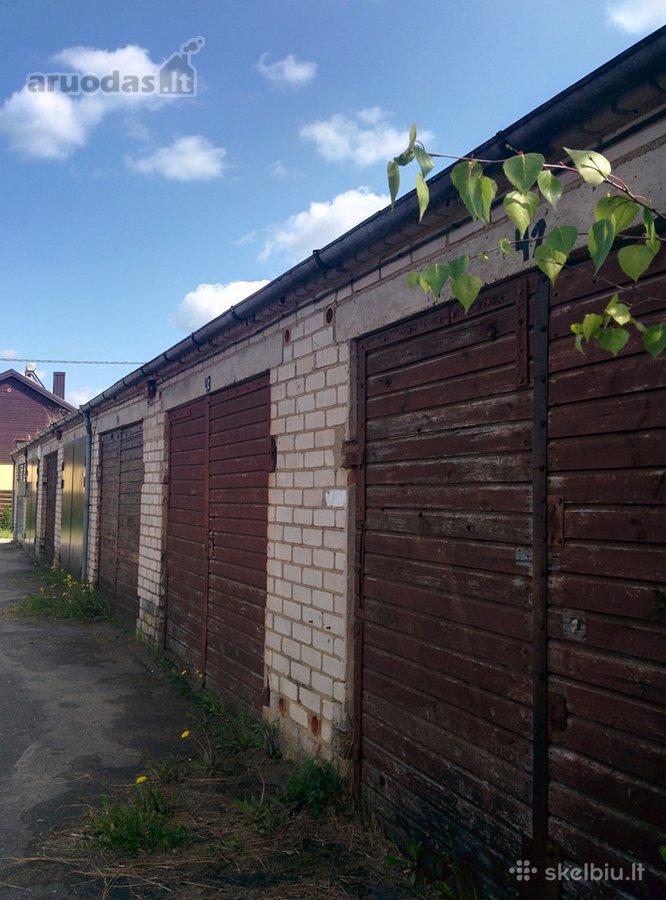 Mažeikių r. sav., Mažeikių m., Žagarėlės g., mūrinis garažas