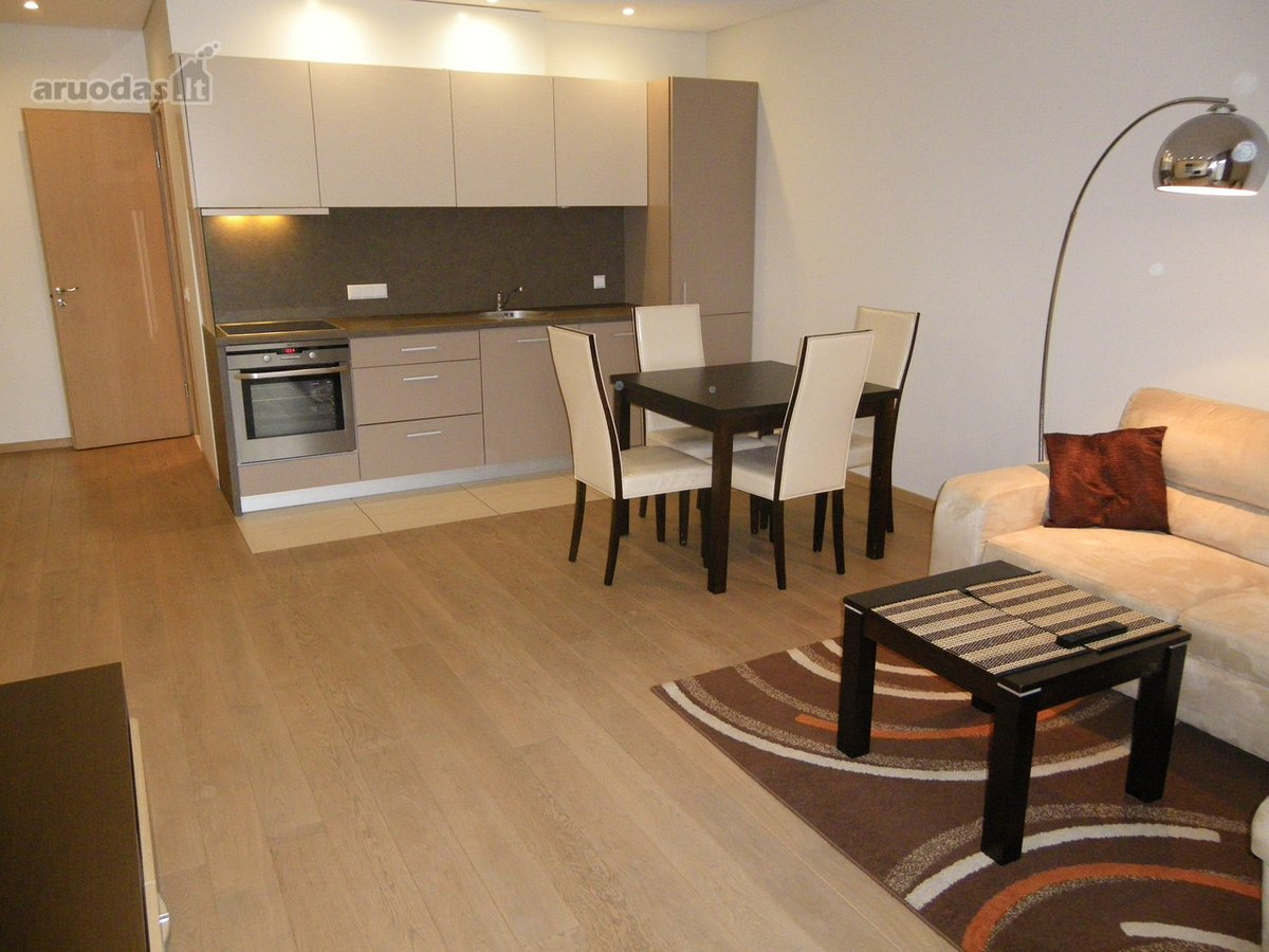 Kaunas, Centras, K. Donelaičio g., 2 kambarių butas