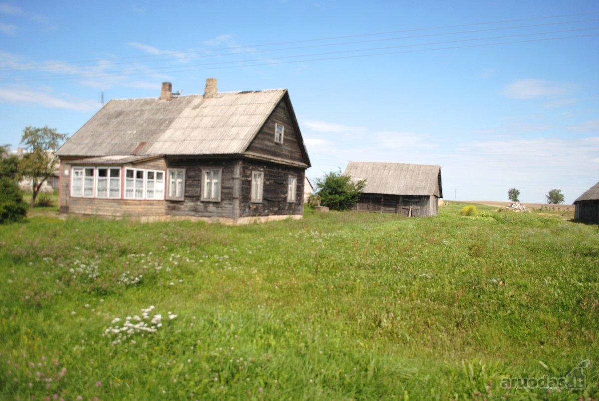 Parduodama namo dalis, atskirta nuo kitos