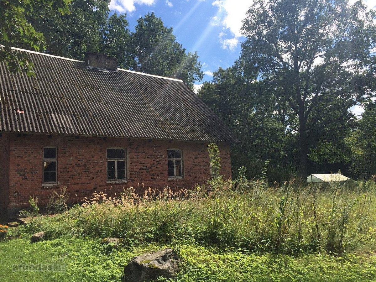 Jurbarko r. sav., Endriušių k., mūrinio namo dalis