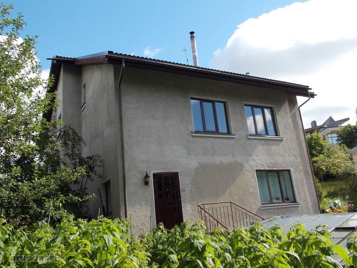 Vilnius, Markučiai, Verslo g., mūrinis sublokuotas namas