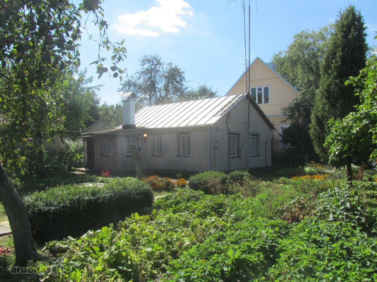 Ukmergės m., Vaižganto g., mūrinis namas