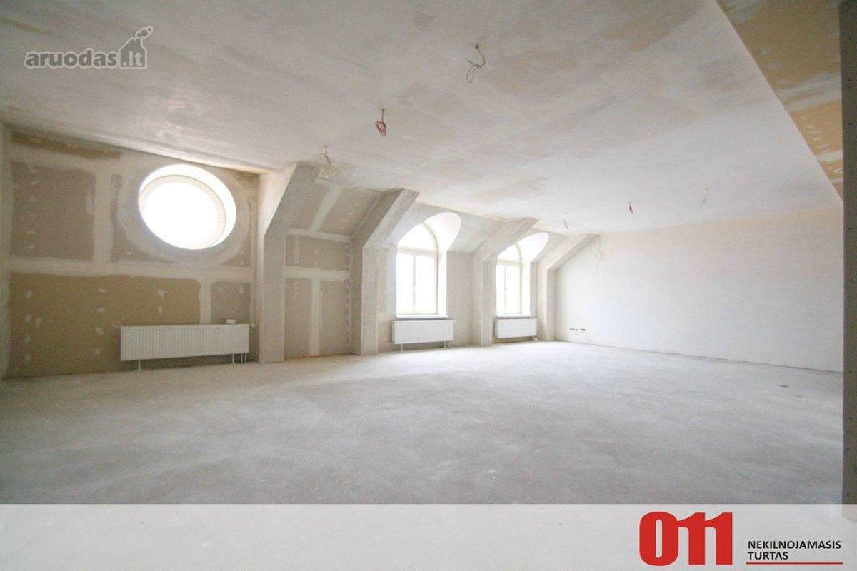 Vilnius, Senamiestis, Gedimino pr., 4 kambarių butas