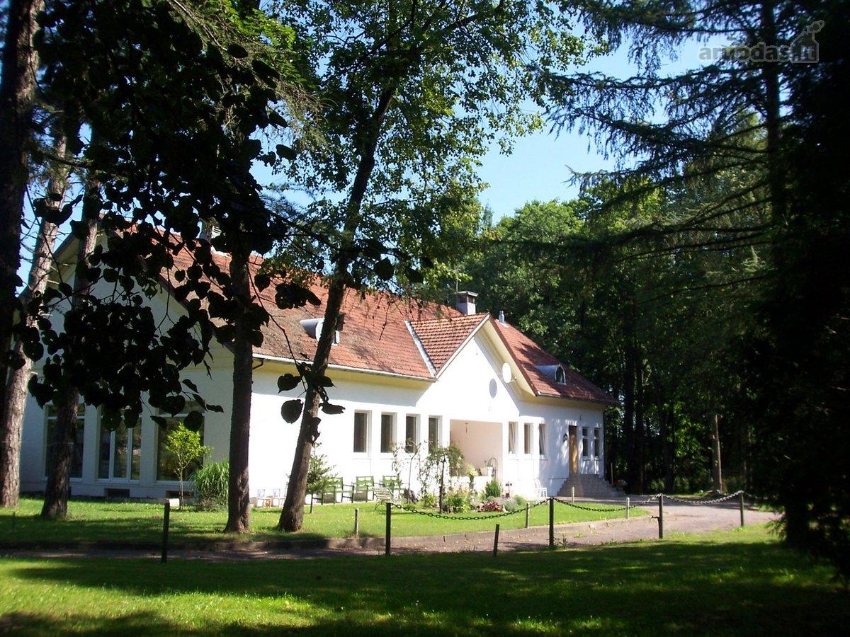 Panevėžio r. sav., Paliūniškio k., Vabalninko g., mūrinis namas