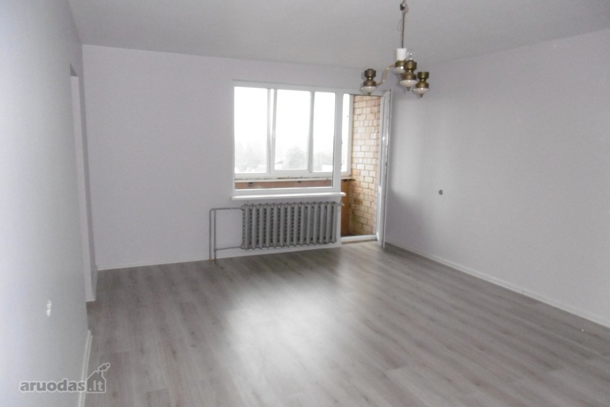 Biržų m., Vilniaus g., 4 kambarių butas
